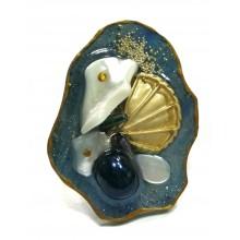 Кольцо из ювелирной смолы с перламутром и черным жемчугом